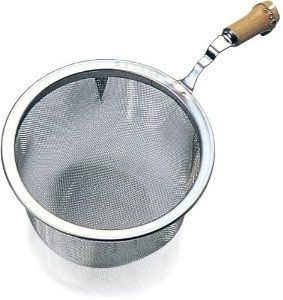 Tea strainer w. bamboo handle 7,2 cm